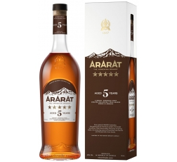 Арменско Бренди Арарат 5 годишно 0.7 л