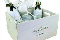 Шампанско Моет Шандон Айс Империал 2 х 0.75 л с Четири Чаши в Дървено Сандъче