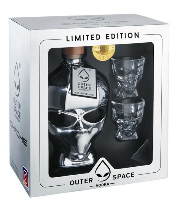 Водка Извънземна Глава – Хром 0.7 л с 2 Шот Чаши в Кутия